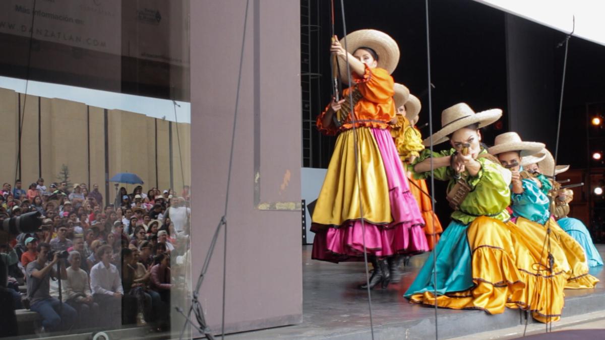 Danzatlán de Elisa Carrillo